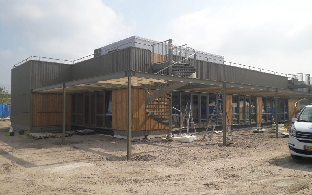 Oplevering bouw T-huis nabij