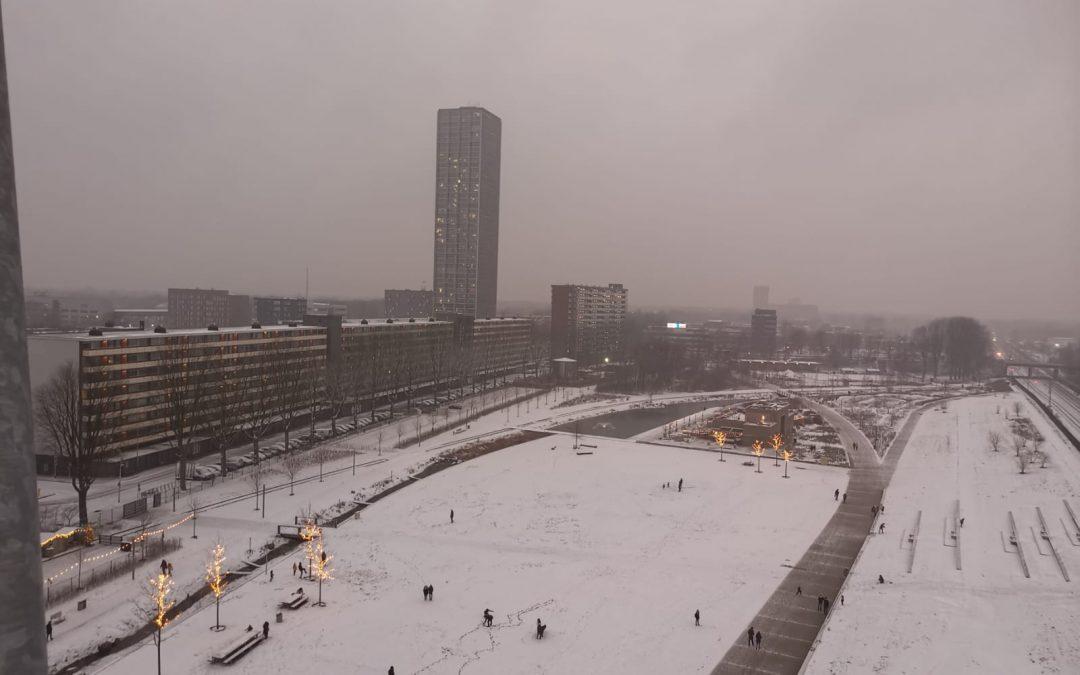 Sneeuw in Spoorpark wordt niet geruimd