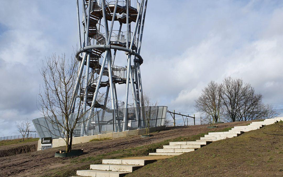 Nieuwe bomen geplant in Spoorpark